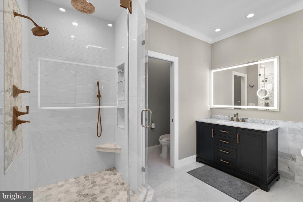 Impressive Carrara Marble Primary Bath - 47273 OX BOW CIR, STERLING