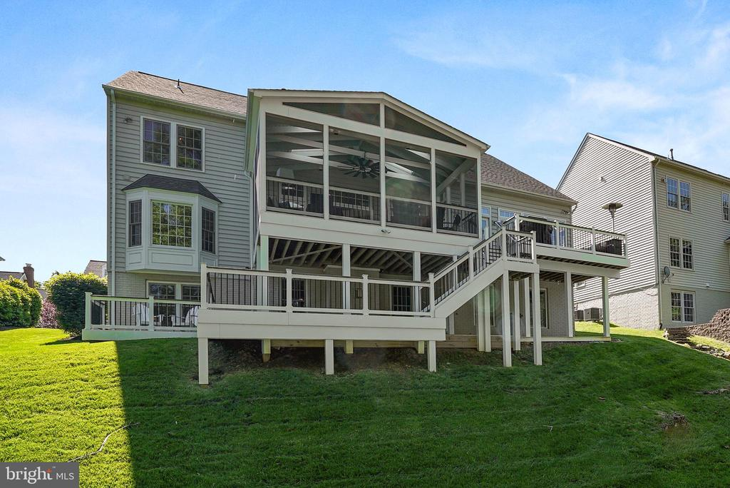 $87K Rear Screened Porch, Deck, Walk, & Patio - 47273 OX BOW CIR, STERLING