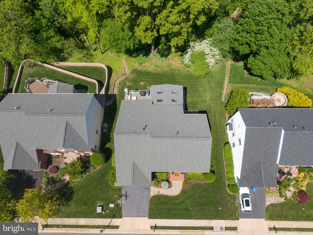 Incredible Rear Yard Backing to Nature - 47273 OX BOW CIR, STERLING