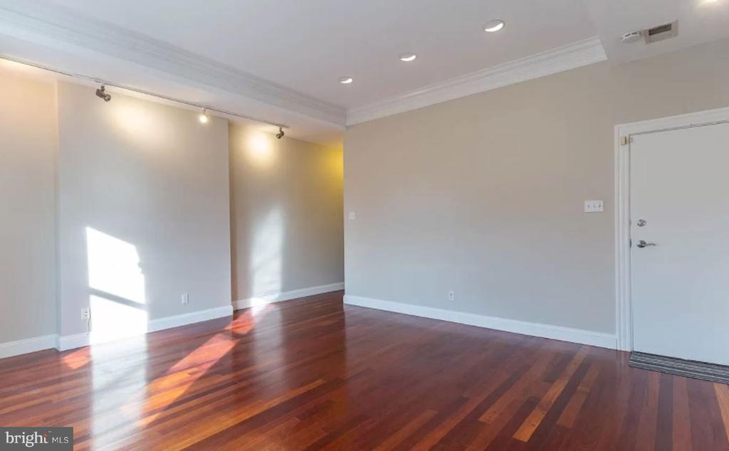 With Gleaming Hardwood Floors - 1700 13TH ST NW, WASHINGTON
