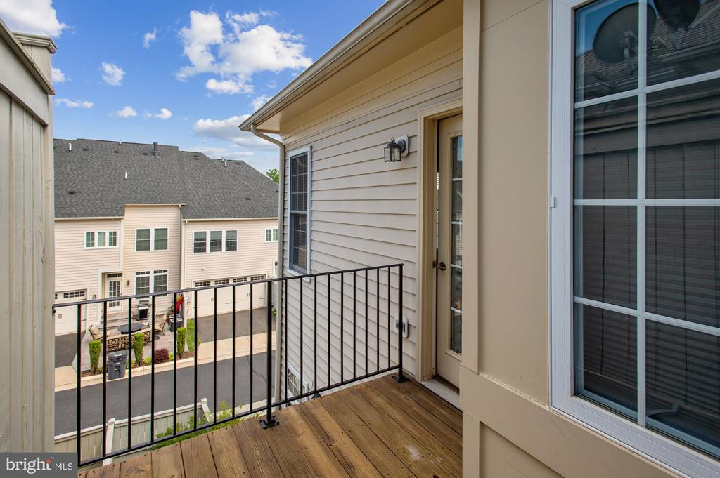 Master bedroom private balcony - 24905 EARLSFORD DR, CHANTILLY