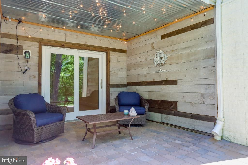Relax in the evening on your covered paver patio - 9754 KNOWLEDGE DR, LAUREL