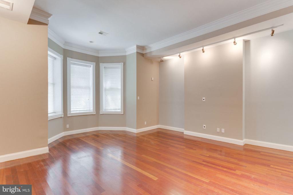 Unit 1 - Spacious Living Room - 1700 13TH ST NW, WASHINGTON