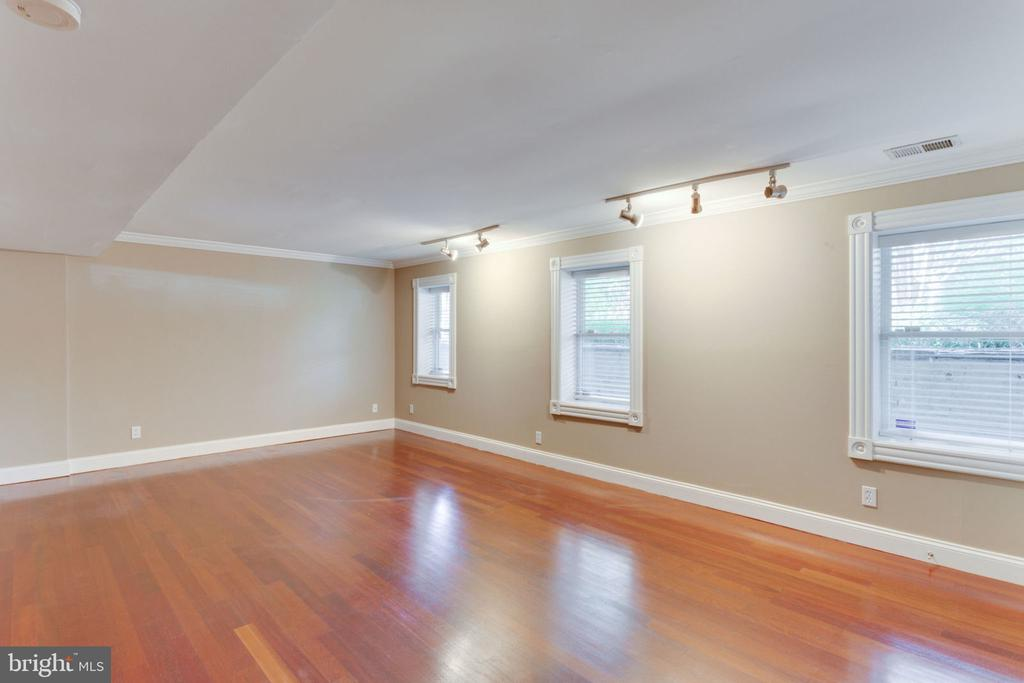 Unit 1 - Second Bedroom w/ Natural Sunlight - 1700 13TH ST NW, WASHINGTON