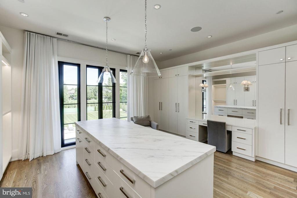 Owner's Suite Walk-In Closet - 8905 HOLLY LEAF LN, BETHESDA