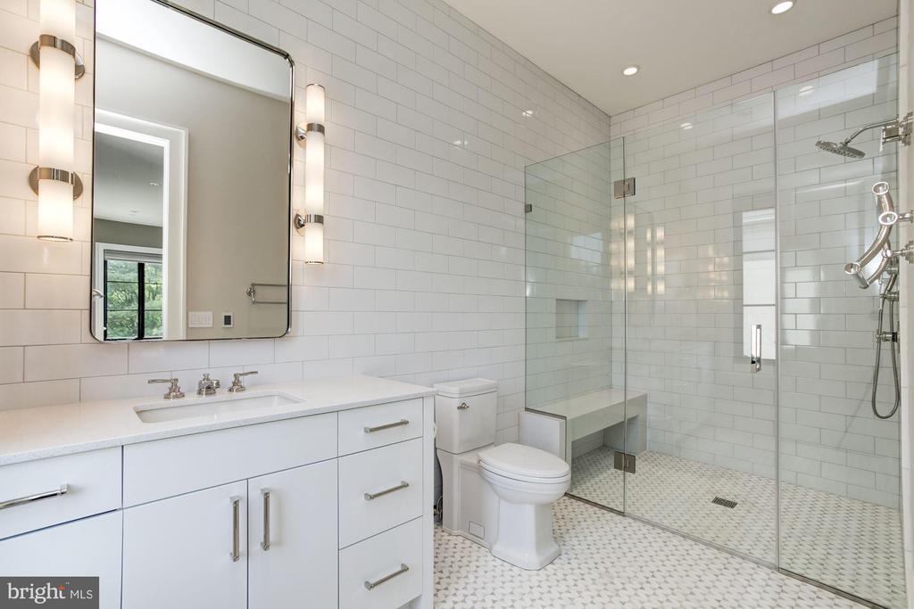 Bedroom #2 Full Bath - 8905 HOLLY LEAF LN, BETHESDA