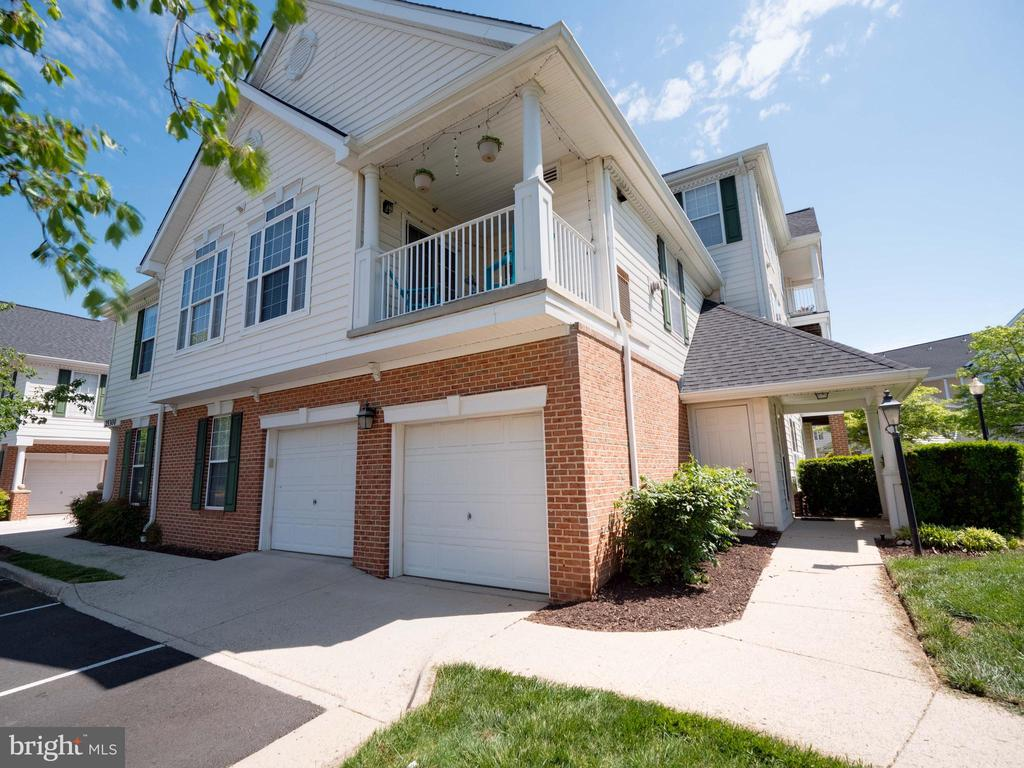Welcome Home! 1- car garage with driveway - 25300 LAKE MIST SQ #205, CHANTILLY