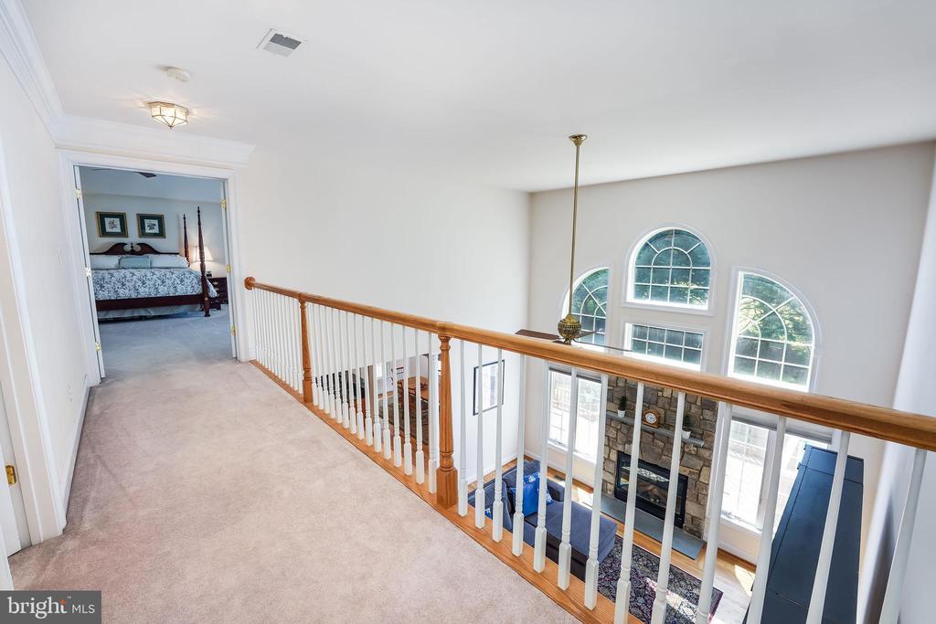 Family room overlook - 3680 WAPLES CREST CT, OAKTON