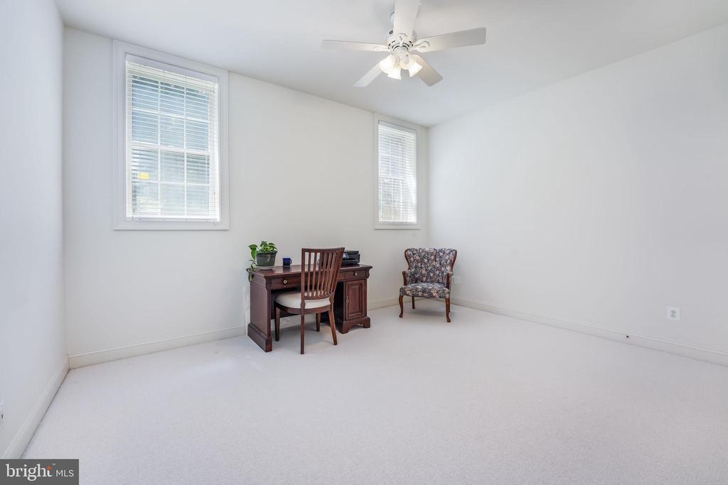 Bonus room  - guest suite - 5th bedroom - 3680 WAPLES CREST CT, OAKTON