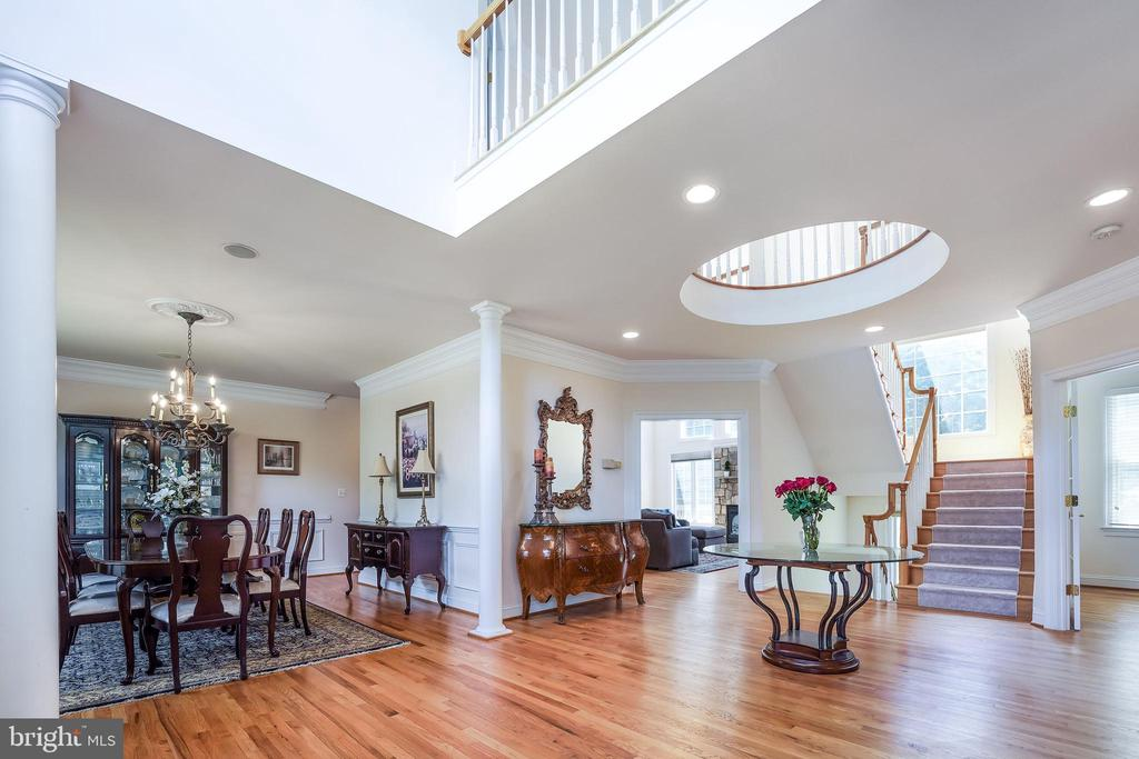 Circular feature from above - 3680 WAPLES CREST CT, OAKTON