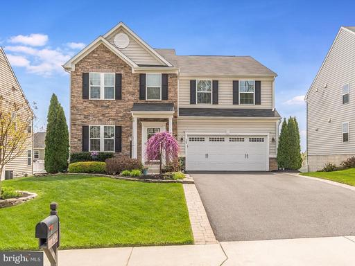 17 CLEAR SPRING LN