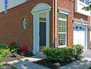 END UNIT ** Luxury Home @ The Greens in Belmont CC - 20428 HOMELAND TER, ASHBURN