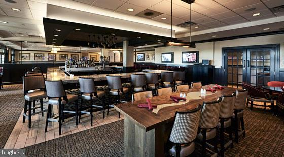 Clubhouse Bar and casual dining - 18362 FAIRWAY OAKS SQ, LEESBURG