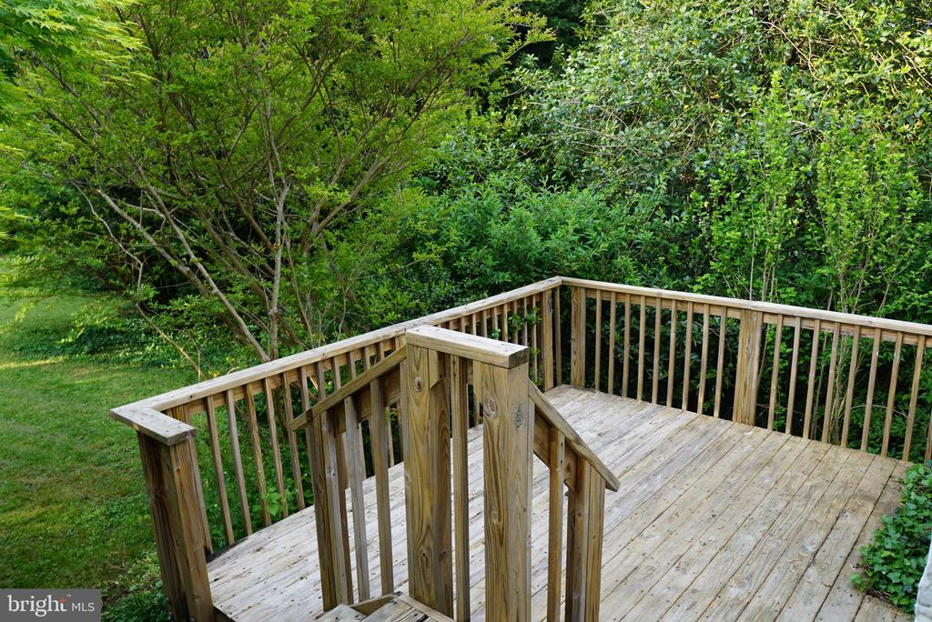 Great deck overlooking rear yard - 2415 EVANS DR, SILVER SPRING