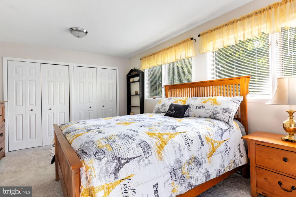 Bedroom 3 - 8121 RONDELAY LN, FAIRFAX STATION