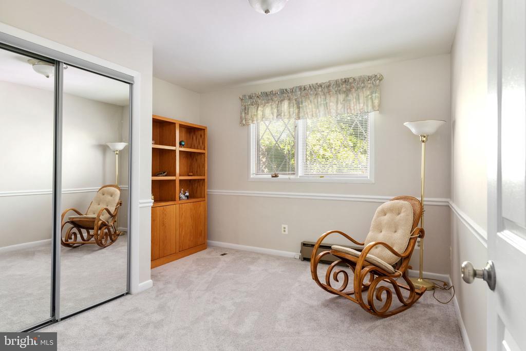 Bedroom 5 - 8121 RONDELAY LN, FAIRFAX STATION