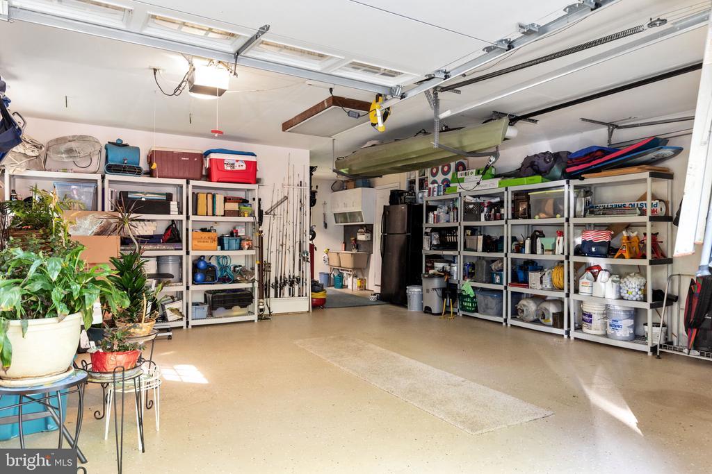 Oversized Garage - 8121 RONDELAY LN, FAIRFAX STATION