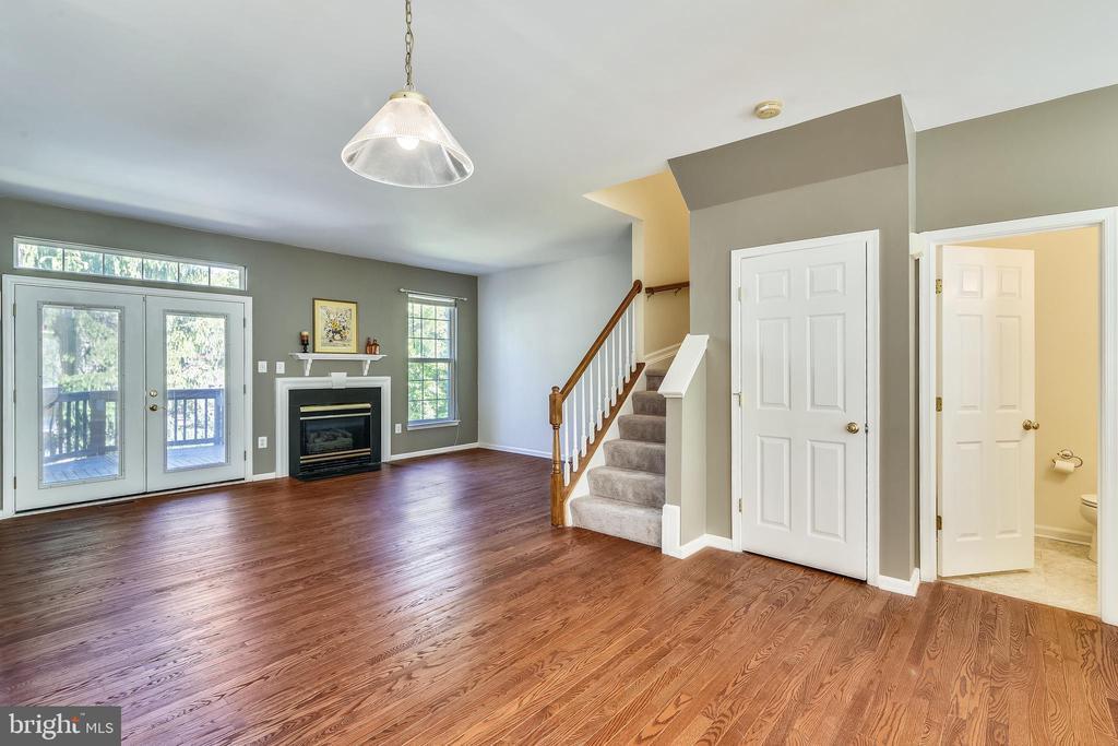 Hardwood Floors on Main Level & Foyer - 21657 FRAME SQ, BROADLANDS