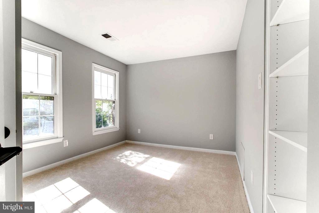 Another bedroom at the second floor - 1328 N ADAMS CT, ARLINGTON