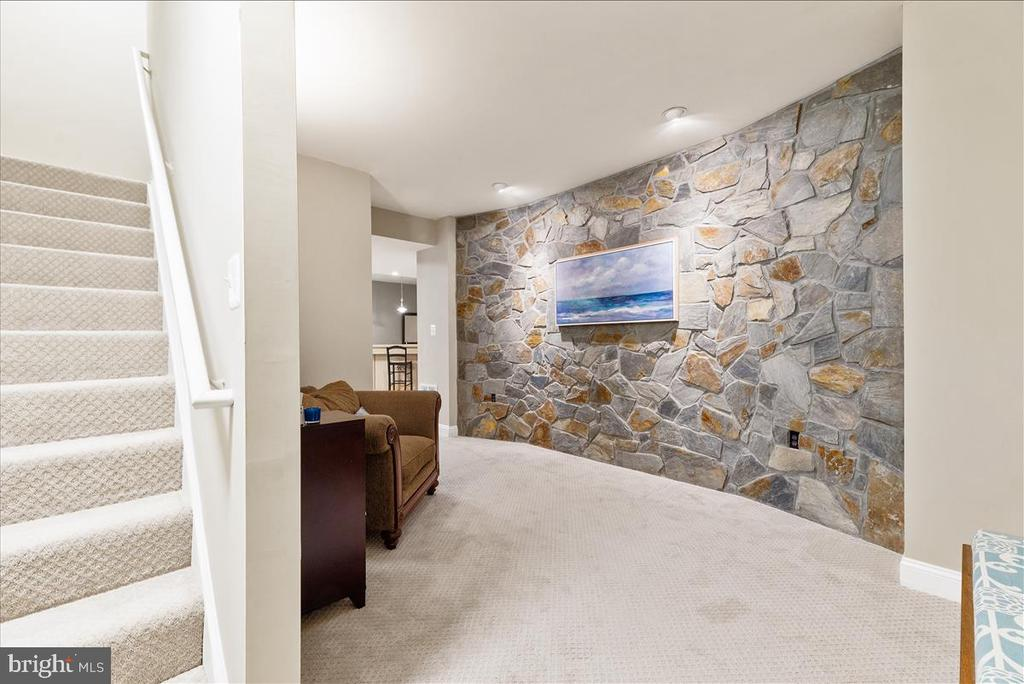 Basement stone wall feature - 19445 MILL DAM PL, LEESBURG