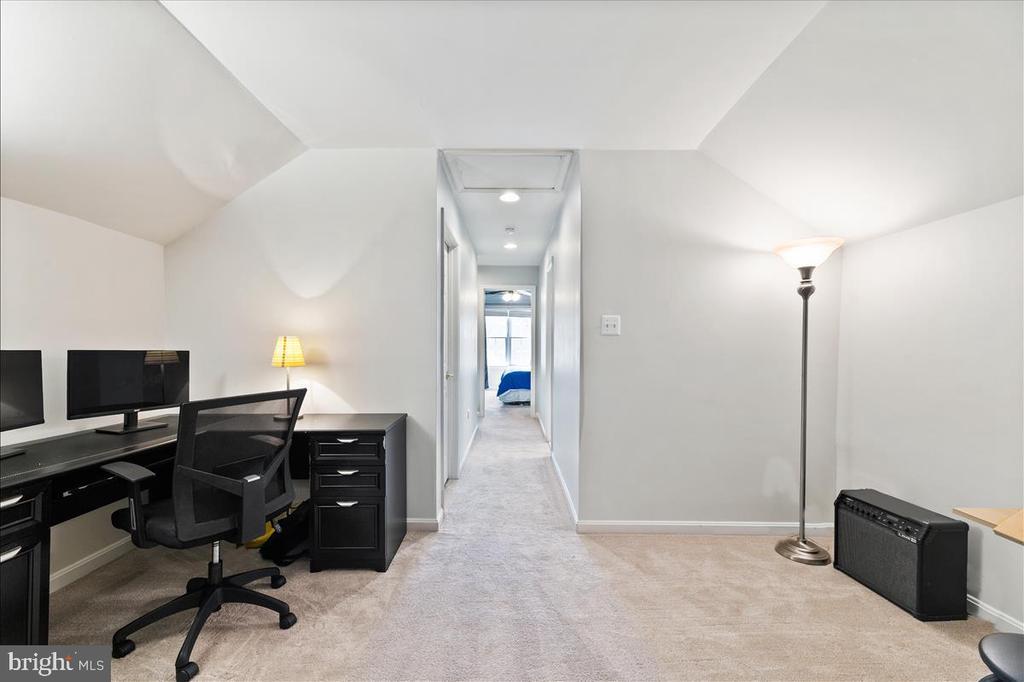 Top level bonus room - 19445 MILL DAM PL, LEESBURG