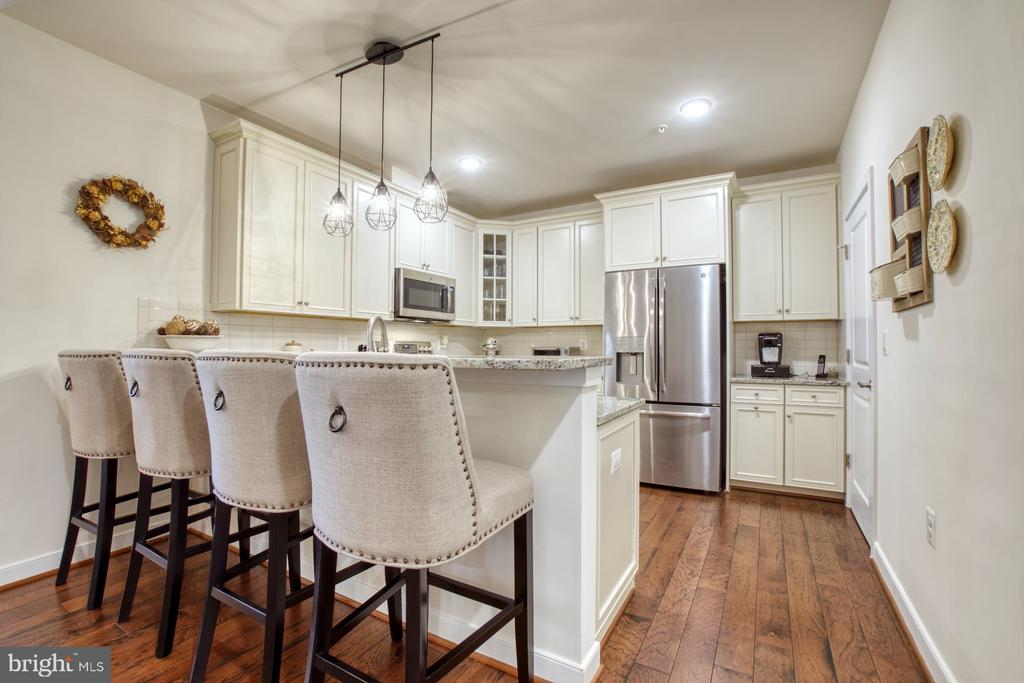 Kitchen has Space for Casual Eating - 43095 WYNRIDGE DR #203, BROADLANDS