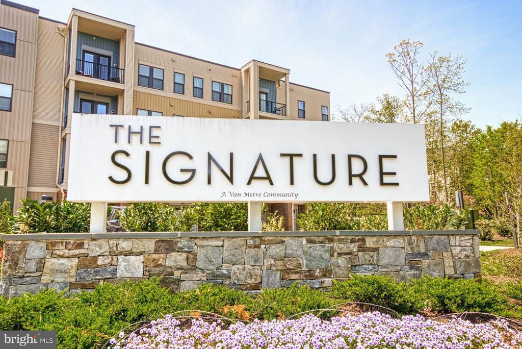 The Signature at Broadlands - Welcome Home! - 43095 WYNRIDGE DR #203, BROADLANDS