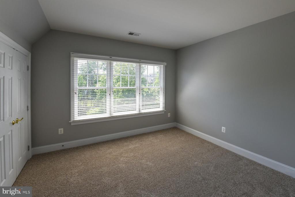 bedroom - 18302 FAIRWAY OAKS SQ NE, LEESBURG