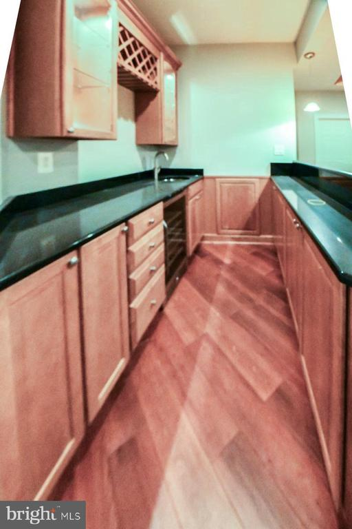 Kitchen - 18302 FAIRWAY OAKS SQ NE, LEESBURG