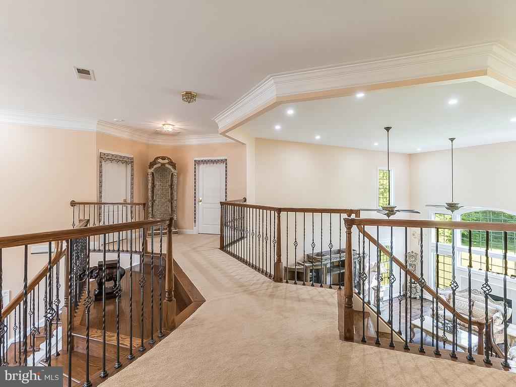 Huge 2ND Floor Balcony with  3 Staircase - 12809 GLENDALE CT, FREDERICKSBURG