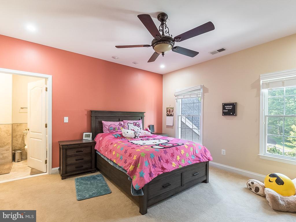Teen Suite 2 - 12809 GLENDALE CT, FREDERICKSBURG
