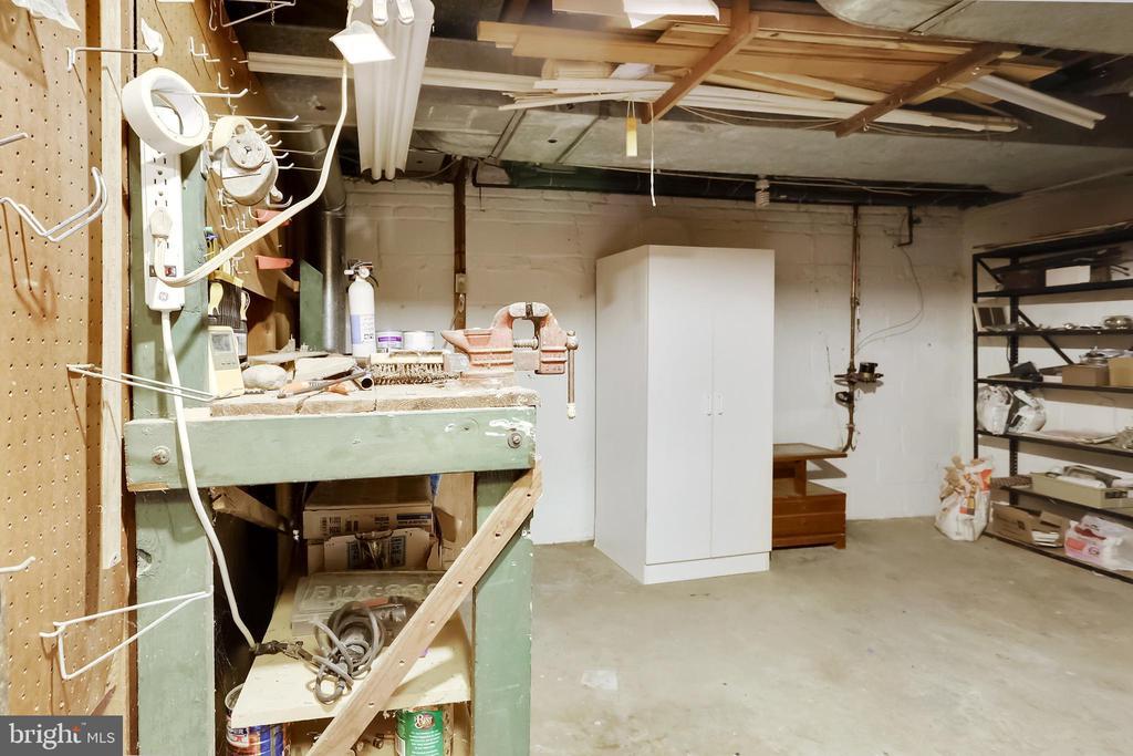 Large Utility/Workshop Room/Storage Room - 2415 EVANS DR, SILVER SPRING