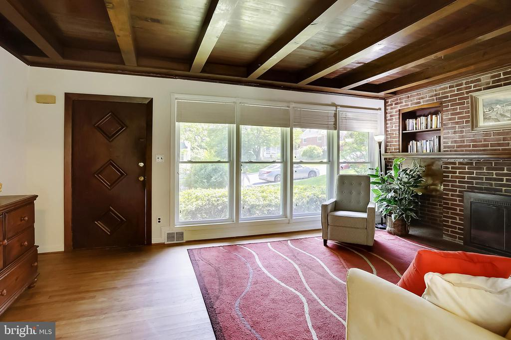 Another Living Rm View - 2415 EVANS DR, SILVER SPRING