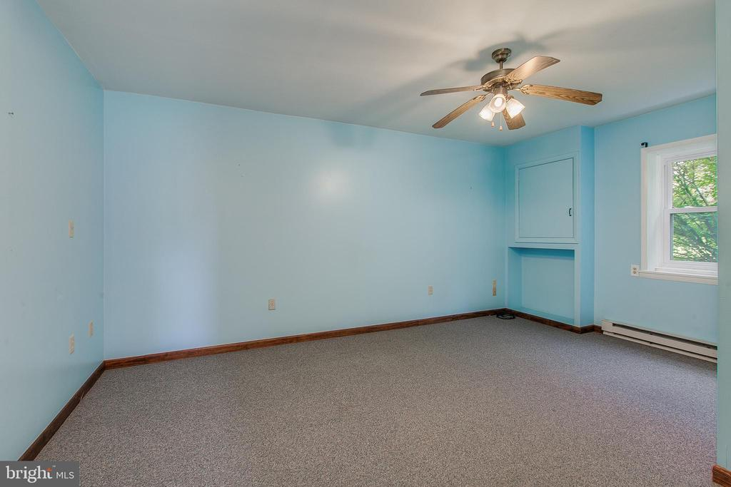 4th bedroom lower level - 7517 PICNIC WOODS RD, MIDDLETOWN