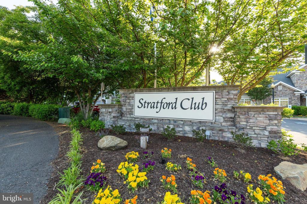 Stratford Club - 505 SUNSET VIEW TER SE #308, LEESBURG
