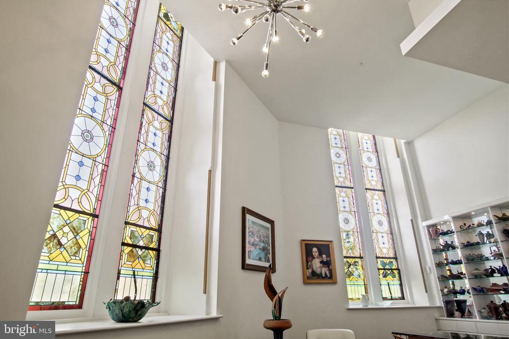 Stunning Stain glass windows - 609 MARYLAND AVE NE #1, WASHINGTON