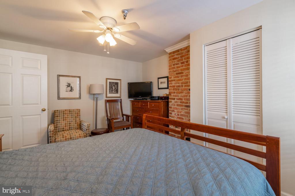 Unit A Bedroom 2 - 1007 QUEEN ST, ALEXANDRIA