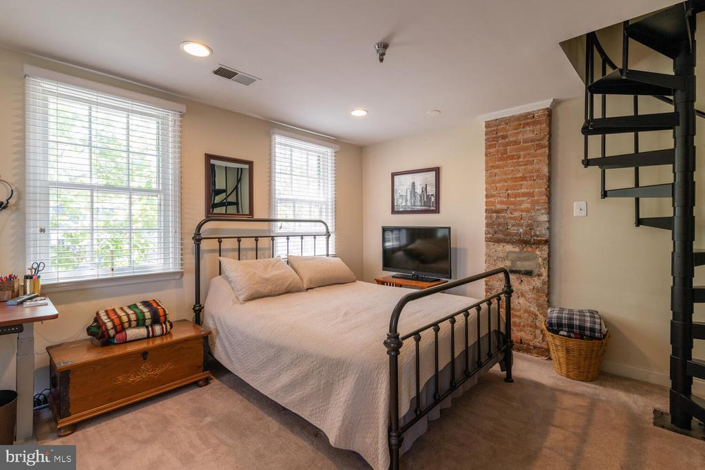 Unit A Bedroom 1 - 1007 QUEEN ST, ALEXANDRIA