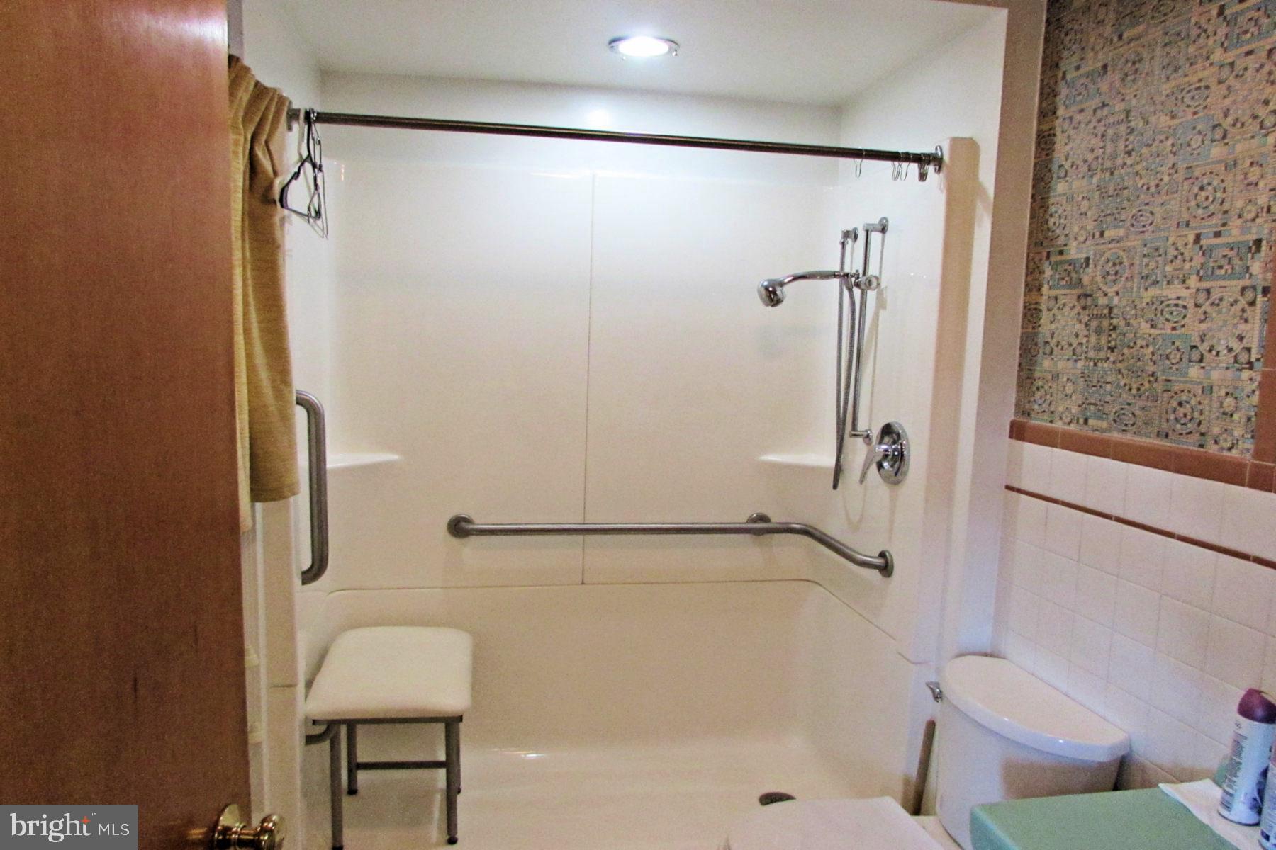 1st Floor Bath 1