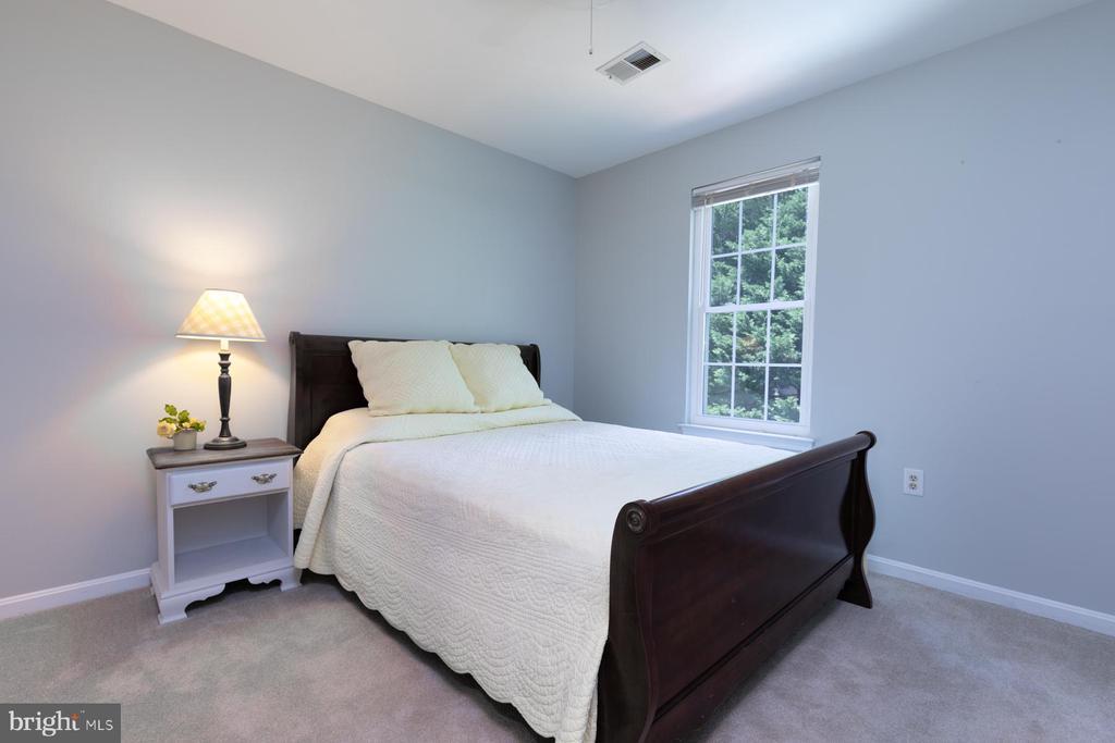 Bedroom 2 - 5 BARNSWALLOW CT, STERLING