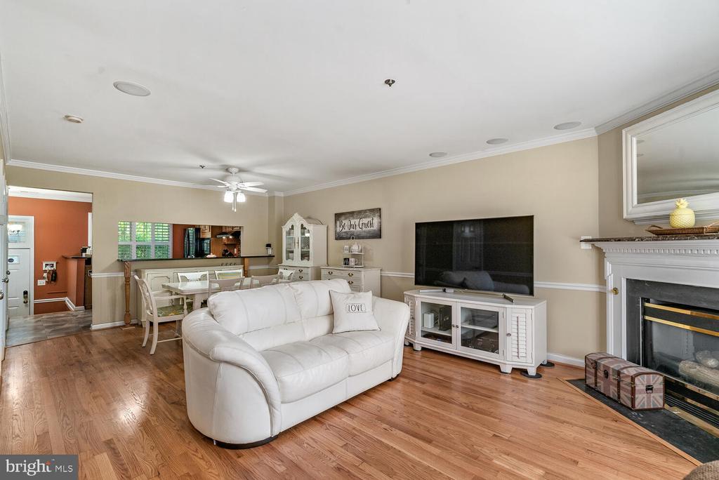 Combo Living/Dining Area - 3054 S GLEBE RD, ARLINGTON