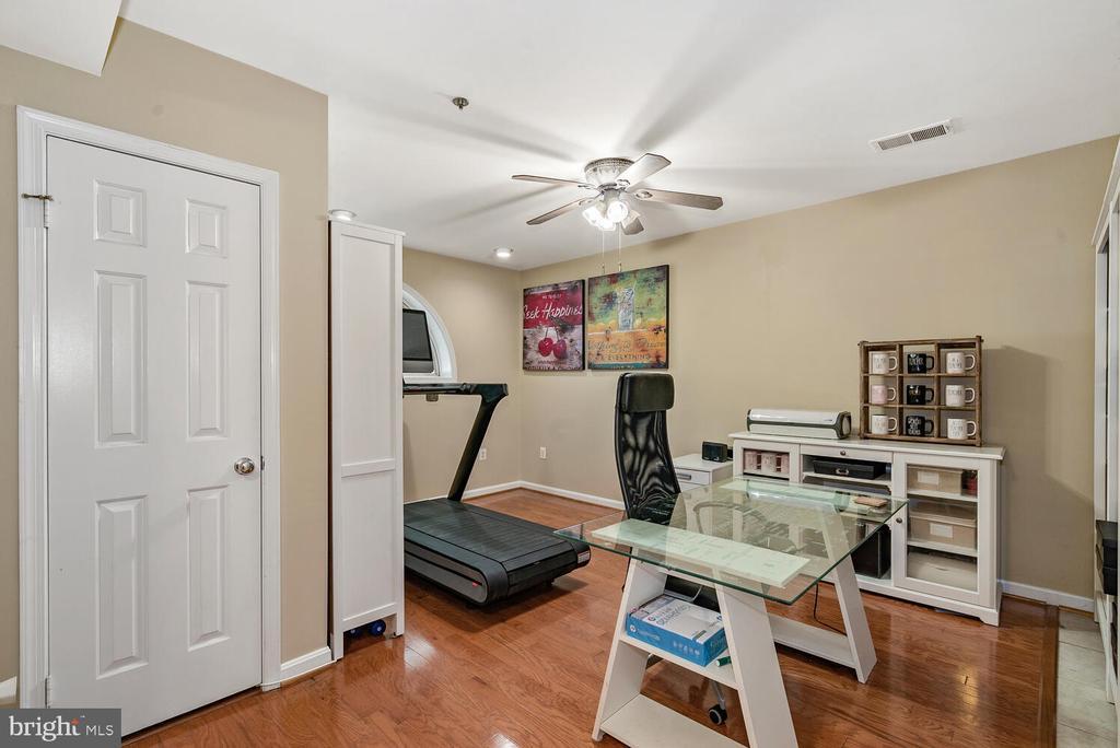 Lower Level Rec Room - 3054 S GLEBE RD, ARLINGTON