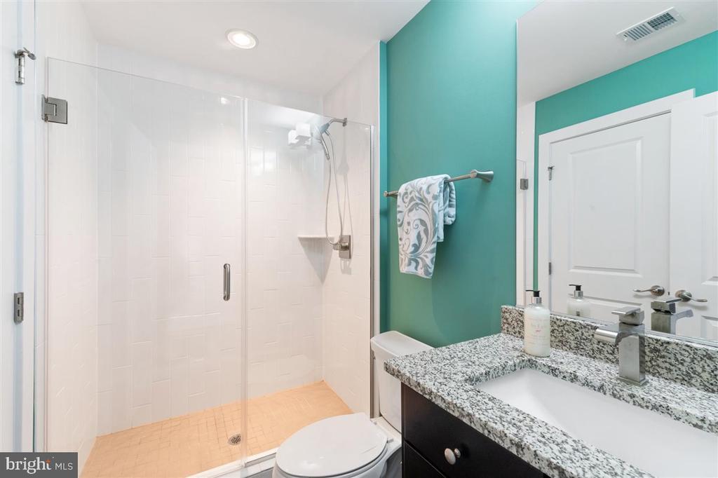 full bath upper level - 1800 BLUE MARBLE TER SE, LEESBURG