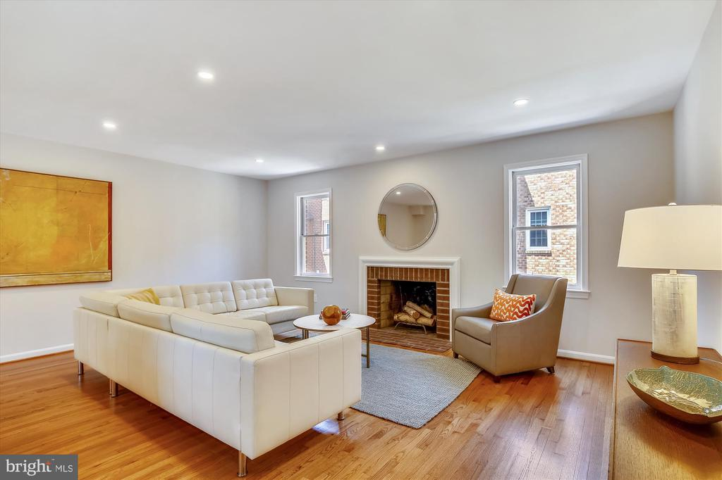 Spacious Living Room with Wood-Burning Fireplace - 1186 N VERMONT ST, ARLINGTON