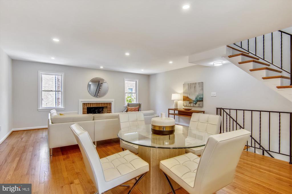 Open Floor Plan - Dining Room & Living Room - 1186 N VERMONT ST, ARLINGTON