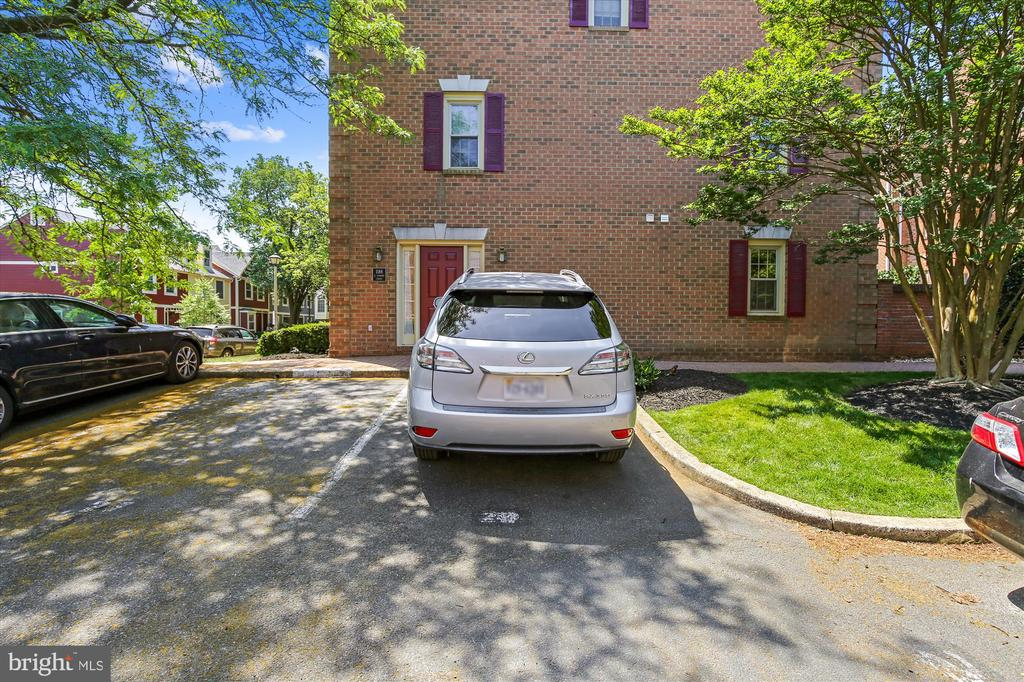 1 Assigned Parking Space - 1186 N VERMONT ST, ARLINGTON