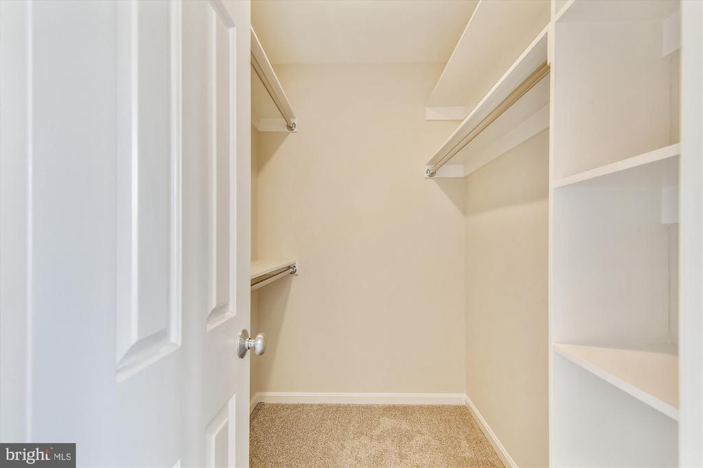Primary Walk-In Closet - 1186 N VERMONT ST, ARLINGTON