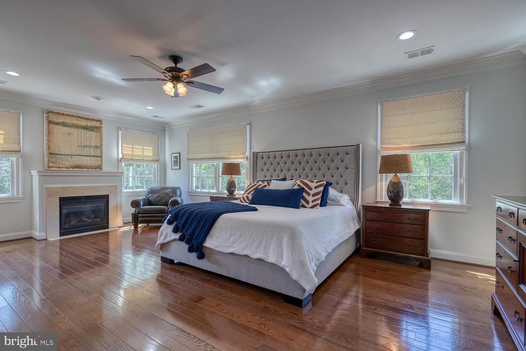 Primary bedroom - 42091 NOLEN CT, LEESBURG
