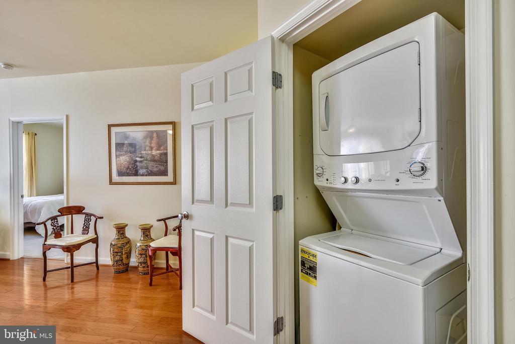 Stackable Washer/Dryer - 22725 THIMBLEBERRY SQ #203, BRAMBLETON