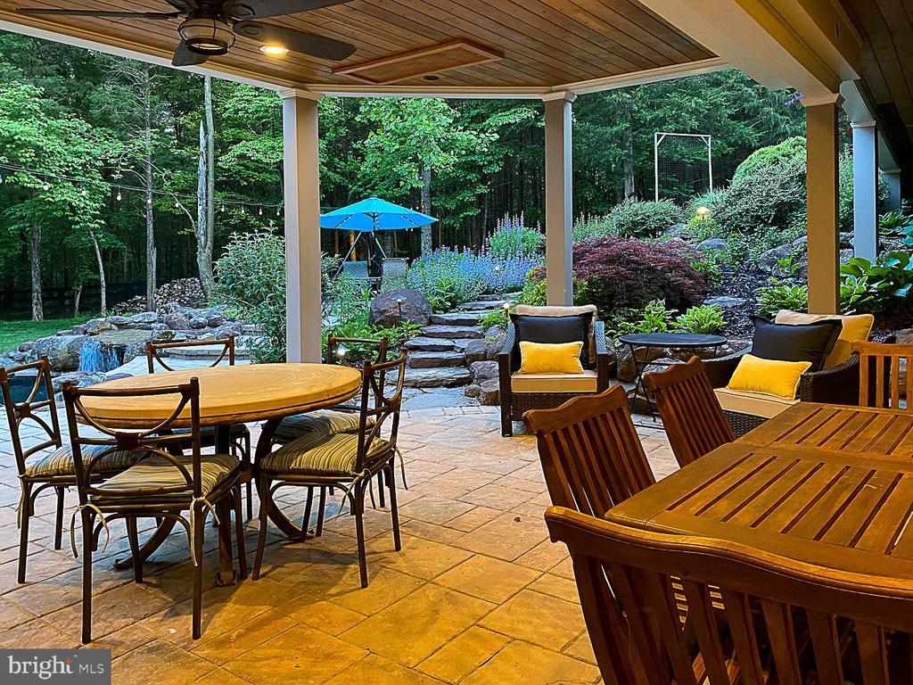 All-season patio - 42091 NOLEN CT, LEESBURG